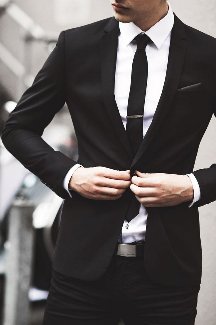 grande vente e43bd 9bb80 Fashion infographic : Costume noir - découvrez comment l ...